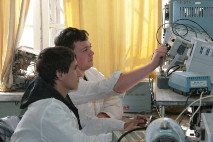 Факультет СибГУ науки и технологий им. М.Ф. Решетнева в Красноярске - Институт машиноведения и мехатроники