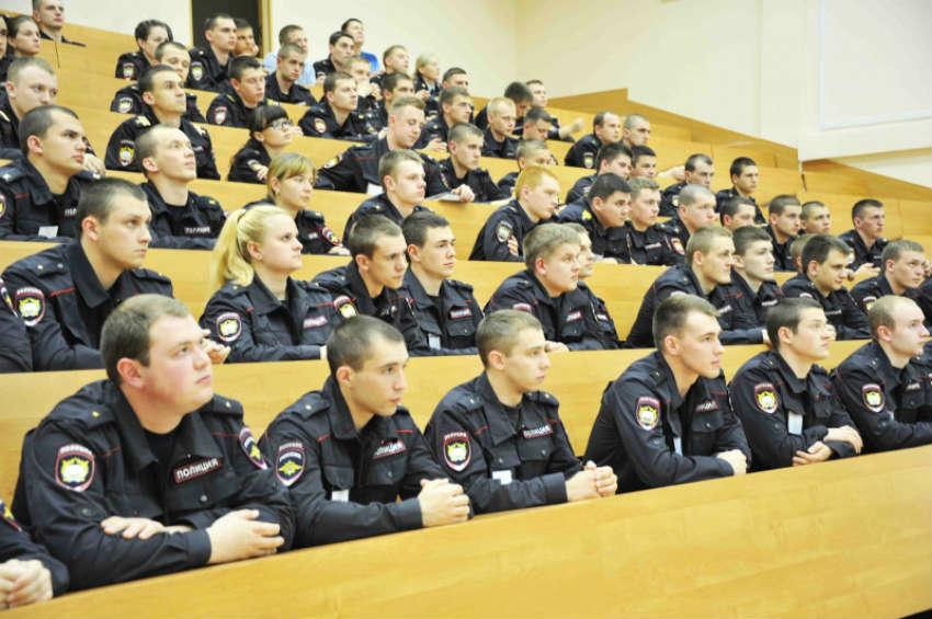 Факультет подготовки сотрудников для оперативных подразделений полиции в МосУ МВД им Кикотя